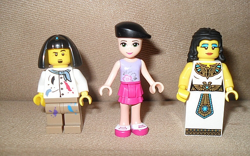 LEGO-Friends-Minifigs-Comparison-2.jpg