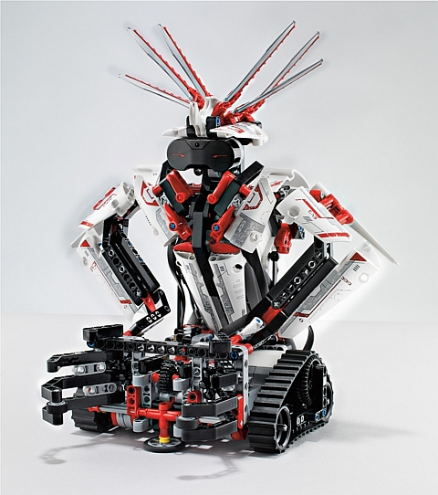 LEGO Mindstorms EV3 Robot 2