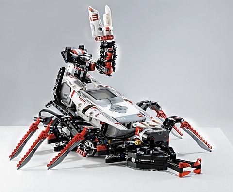 LEGO Mindstorms EV3 Robot 3