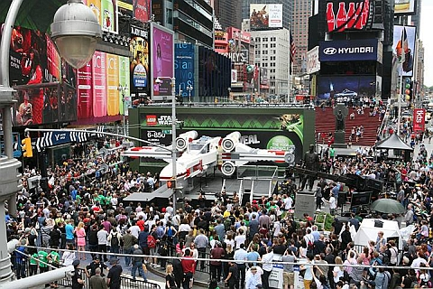 LEGO Star Wars X-wing at New York Time Square Revealed