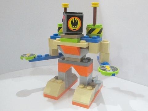 LEGO Robot MOC 2 by Fikko