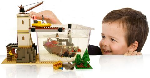 LEGO Fish-Tank Play Features