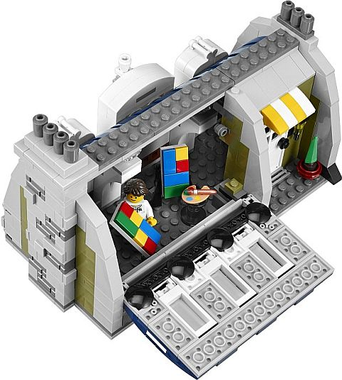 #10243 LEGO Parisian Restaurant Artist Studio