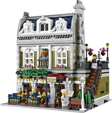 #10243 LEGO Parisian Restaurant Review