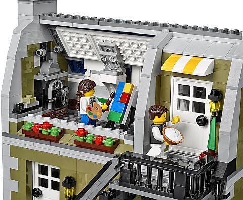 #10243 LEGO Parisian Restaurant Studio