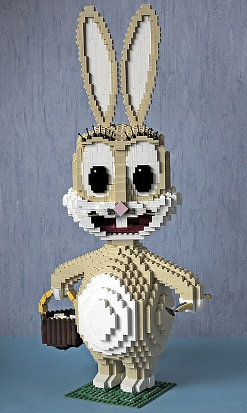 LEGO Sculpture by BrickBucki