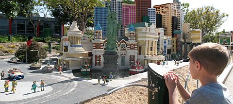LEGO MINILAND - Photo by stecki