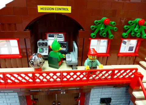 LEGO Santa's Workshop Mission Control