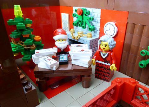 LEGO Santa's Workshop Opening Mail