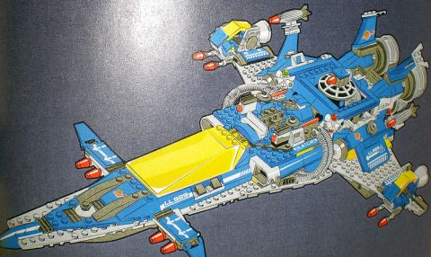 The LEGO Movie Benny's Spaceship Details