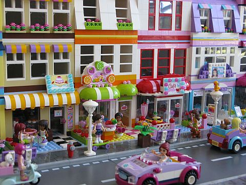 LEGO Friends Town Street by Kristel