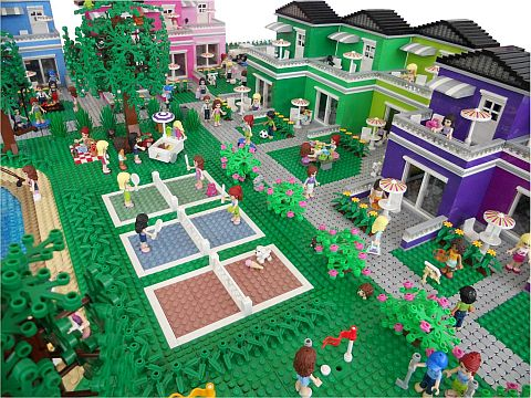 LEGO Friends Town Tennis Court by Anne Mette