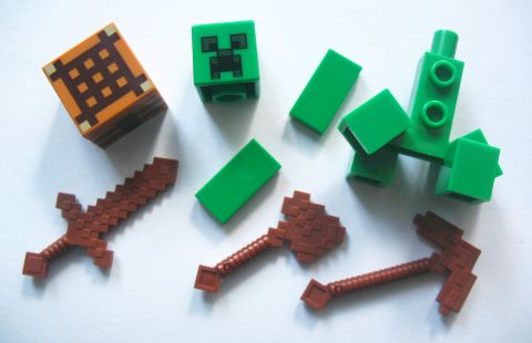 #21115 LEGO Minecraft Pieces