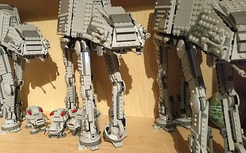 LEGO Star Wars MicroFighters AT-AT by justapenguin