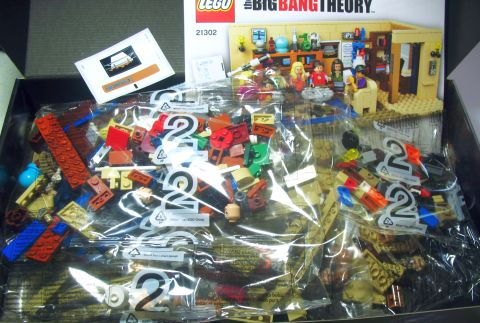 #21302 LEGO Ideas Big Bang Theory Content