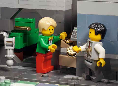 #10251 LEGO Creator Brick Bank 1