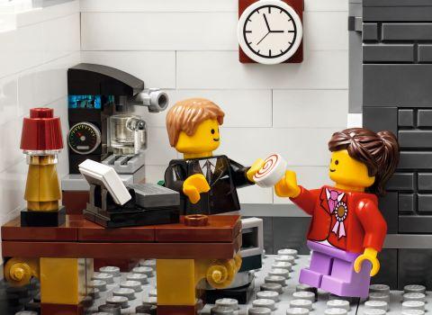 #10251 LEGO Creator Brick Bank 3