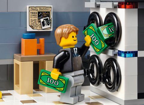 #10251 LEGO Creator Brick Bank 5