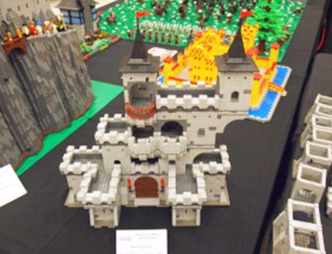 LEGO Modular Castle System by mkalkwarf 5
