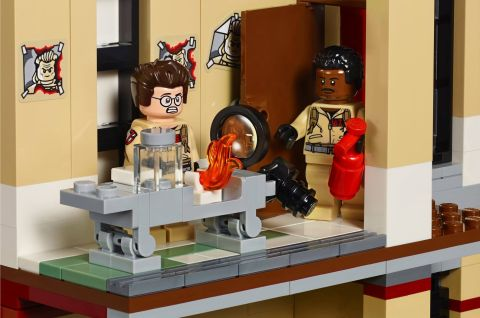 #75827 LEGO Ghostbusters Firehouse Interior 6
