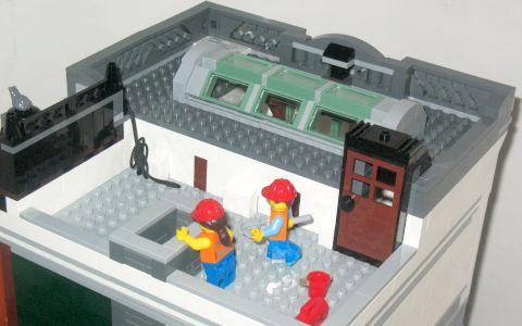 #10251 LEGO Creator Brick Bank 92