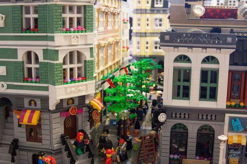 LEGO Modular Kwik-E-Mart 3 by cimddwc