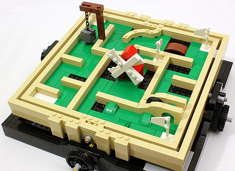 LEGO Ideas Maze Mini Golf