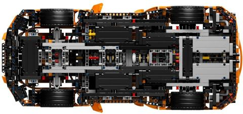 #42056 LEGO Technic Porsche Below