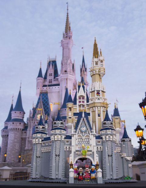 #71040 LEGO Disney Castle 1