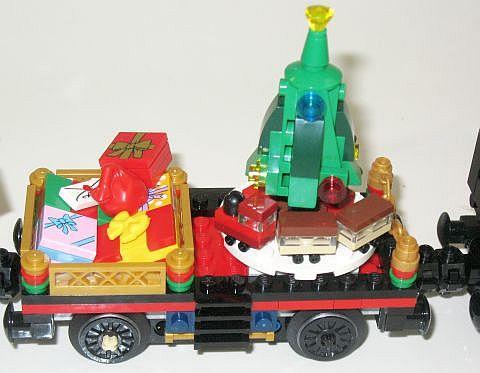 lego-holiday-train-1