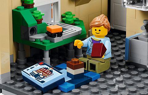 10255-lego-creator-apartment-2
