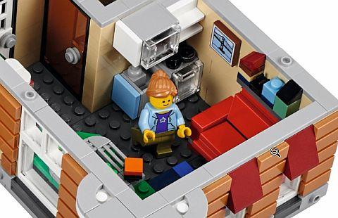 10255-lego-modular-review-2