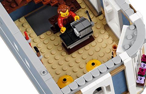 10255-lego-modular-review