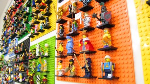 lego-display-wall-by-jangbricks