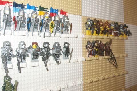 lego-minifigure-wall-1