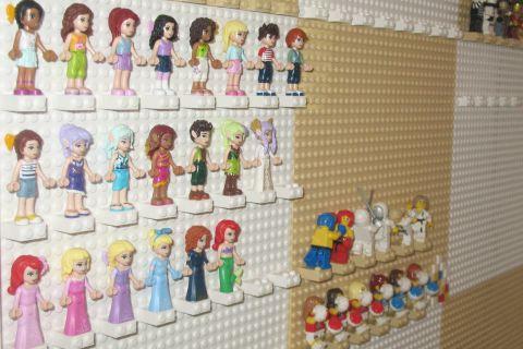 lego-minifigure-wall-3
