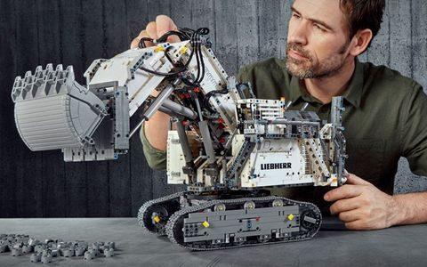 42100 LEGO Technic Excavator