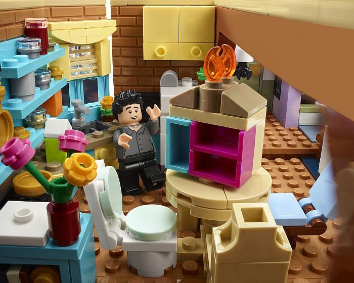 10292 LEGO Friends Apartments 8