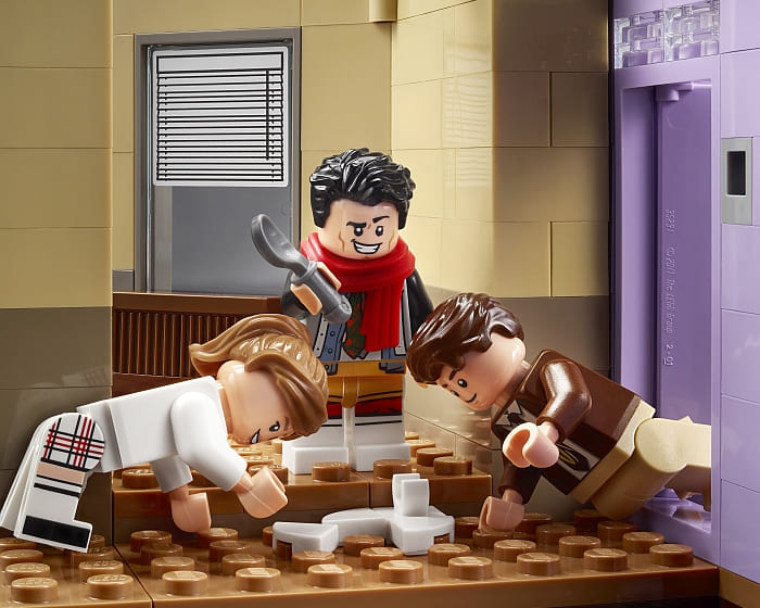 10292 LEGO Friends Apartments 9
