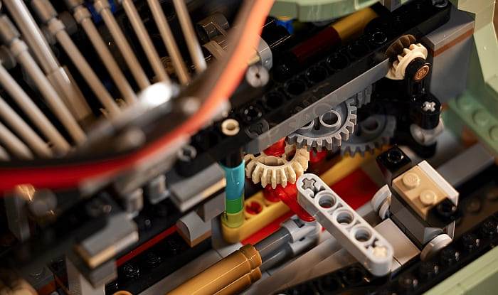 21327 LEGO Typewriter 11