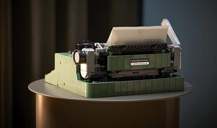 21327 LEGO Typewriter 12