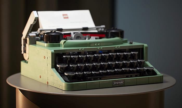 21327 LEGO Typewriter 14