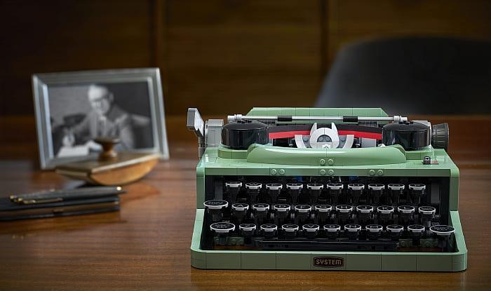 21327 LEGO Typewriter 8