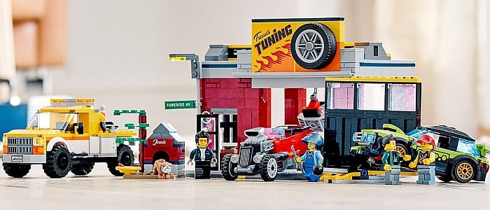 60258 LEGO City Tuning Workshop 7