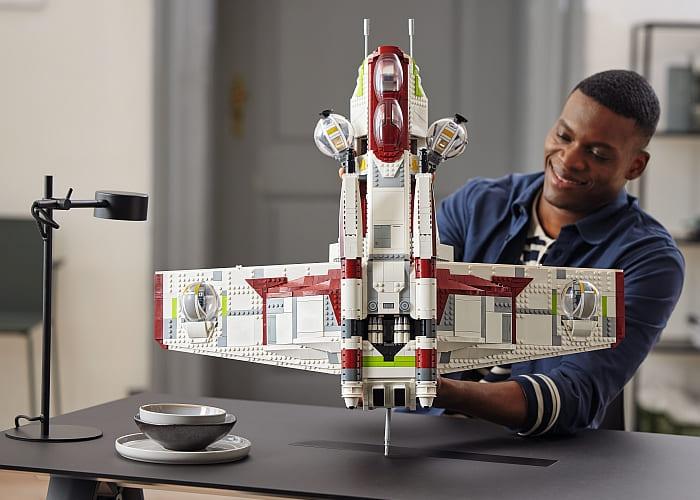 75309 LEGO Star Wars Republic Gunship 1