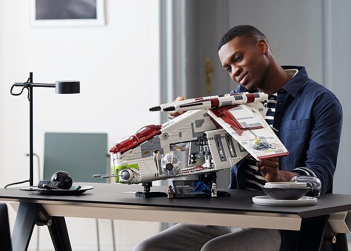 75309 LEGO Star Wars Republic Gunship 2